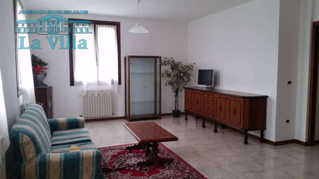 Appartamento in buone condizioni in vendita Rif. 4574386