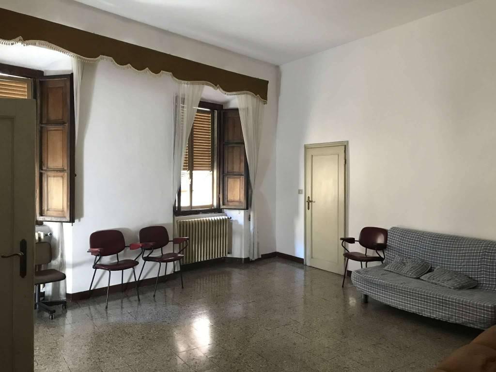 Appartamento in vendita a Sansepolcro, 5 locali, prezzo € 105.000 | CambioCasa.it