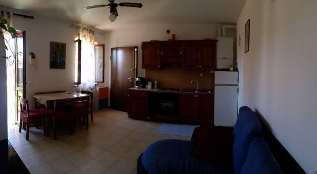 Appartamento in ottime condizioni in affitto Rif. 4418084