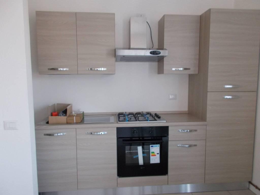 Appartamento in ottime condizioni arredato in affitto Rif. 8151067