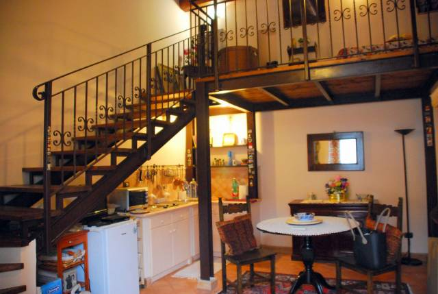 Appartamento in ottime condizioni parzialmente arredato in vendita Rif. 6964051