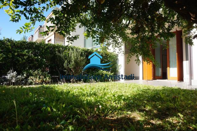 Elegante appartamento con giardino Nago-Torbole