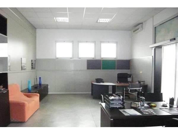 Negozio / Locale in vendita a Gazzuolo, 3 locali, prezzo € 67.655 | CambioCasa.it