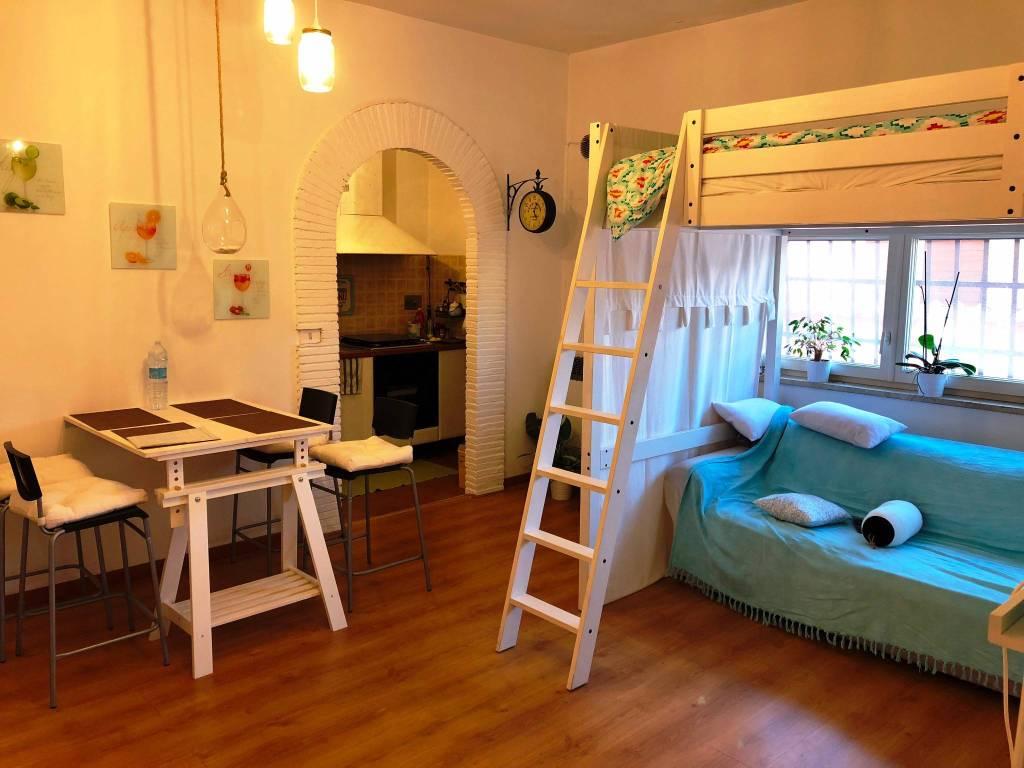 Appartamento in ottime condizioni arredato in affitto Rif. 9242570