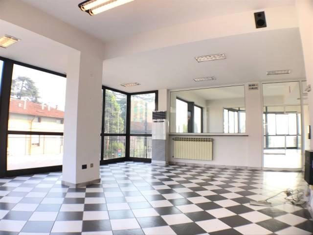 Ufficio in affitto a Albano Sant'Alessandro