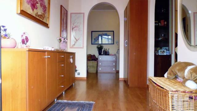 Appartamento in buone condizioni arredato in vendita Rif. 4828498