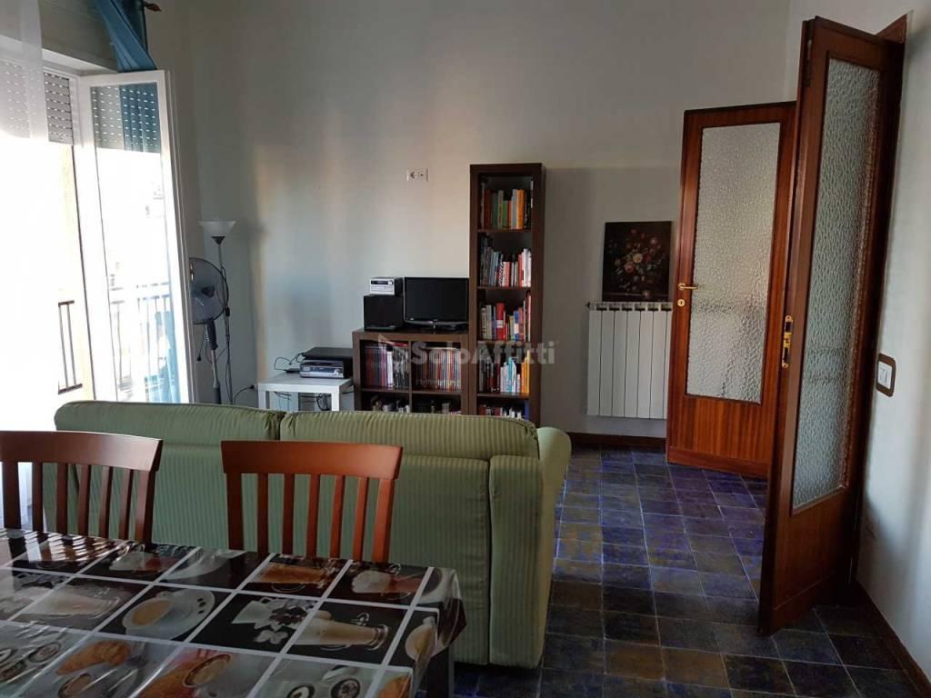 Appartamento in buone condizioni arredato in affitto Rif. 7244849