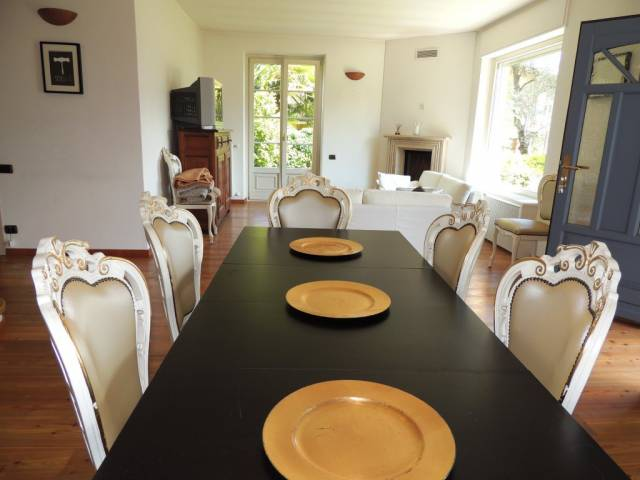 Appartamento in ottime condizioni arredato in vendita Rif. 5037396