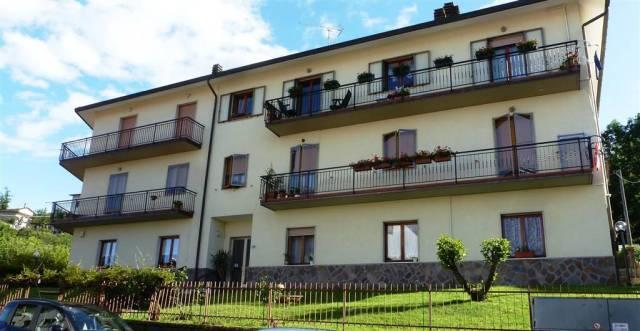 Appartamento in buone condizioni parzialmente arredato in vendita Rif. 4253163