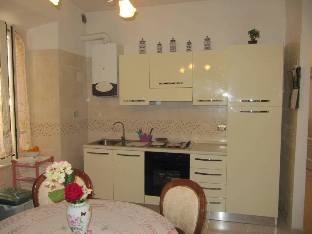 Appartamento in vendita a Roma, 3 locali, zona Zona: 16 . Appia nuova - Alberone - Colli Albani, prezzo € 205.000 | CambioCasa.it
