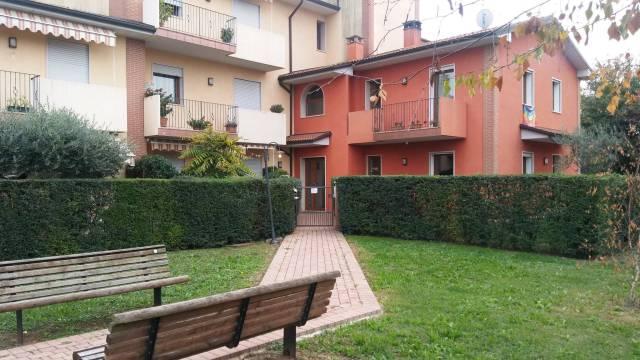 Appartamento in ottime condizioni arredato in affitto Rif. 4283377