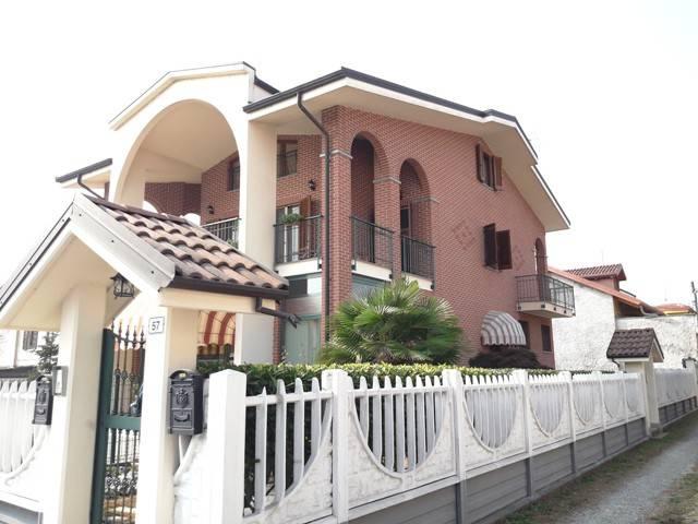 Villa in vendita a Leini, 6 locali, prezzo € 316.000 | CambioCasa.it