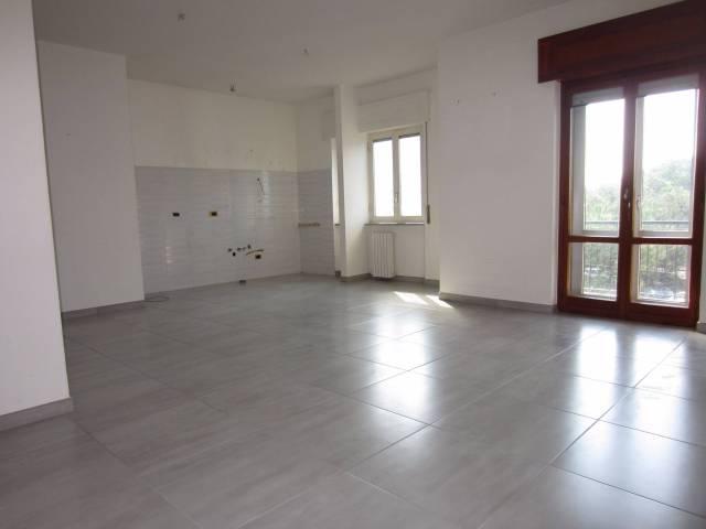Appartamento in ottime condizioni in affitto Rif. 4964335