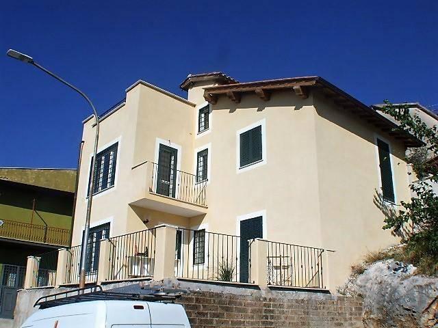 Monolocale in affitto a Fara in Sabina in Via Prime Case