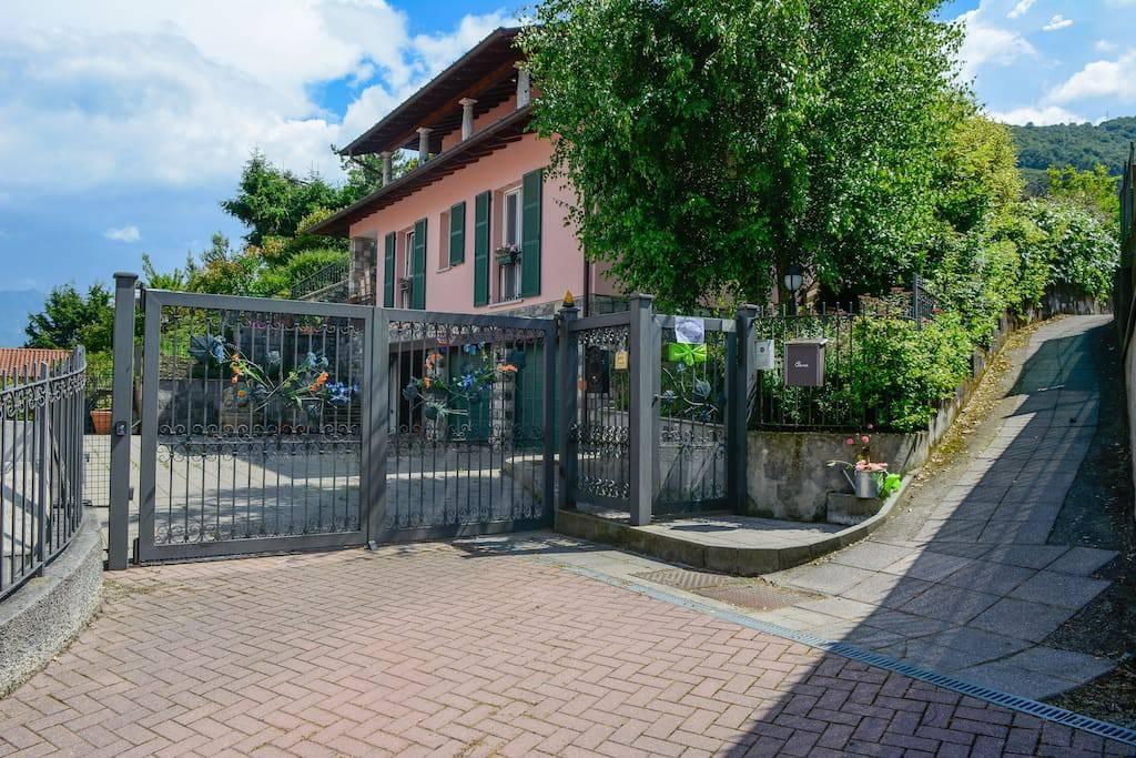 Appartamento in vendita a Menaggio, 4 locali, prezzo € 350.000 | PortaleAgenzieImmobiliari.it