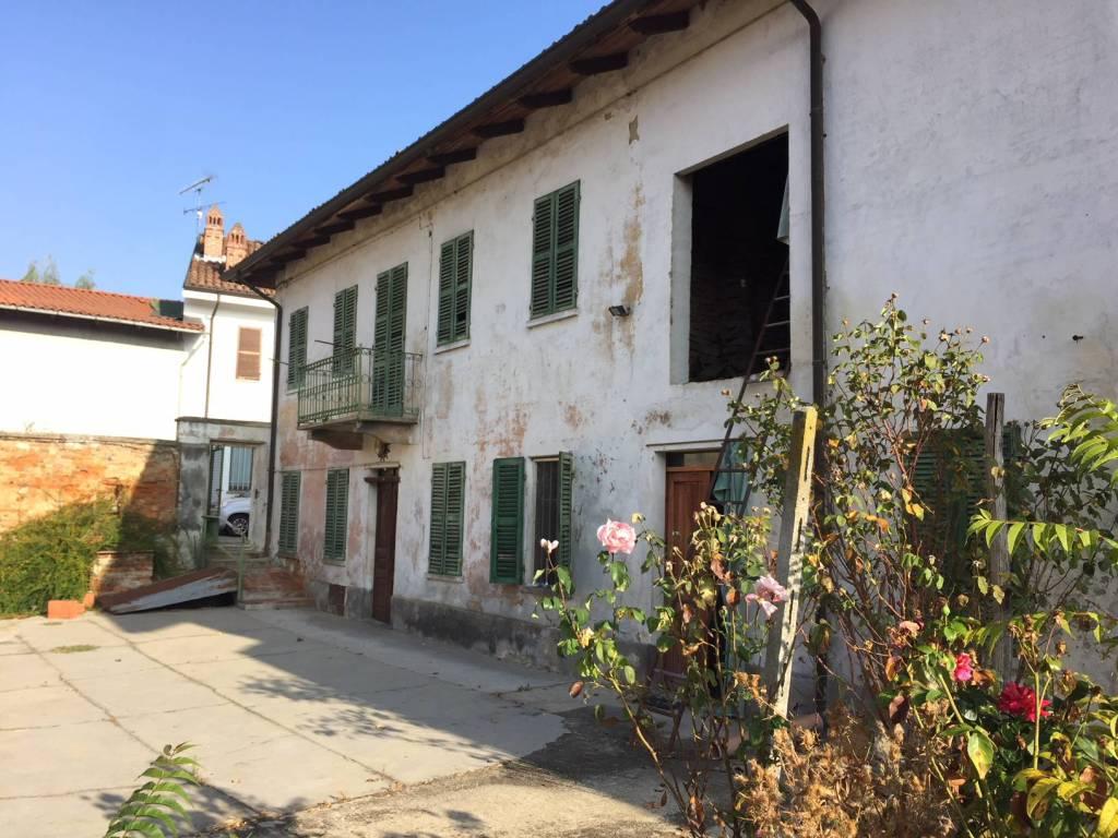 Rustico / Casale in vendita a Celle Enomondo, 6 locali, prezzo € 48.000 | CambioCasa.it