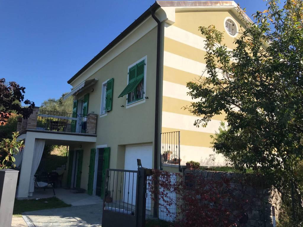 Villa in vendita a Arcola (SP)