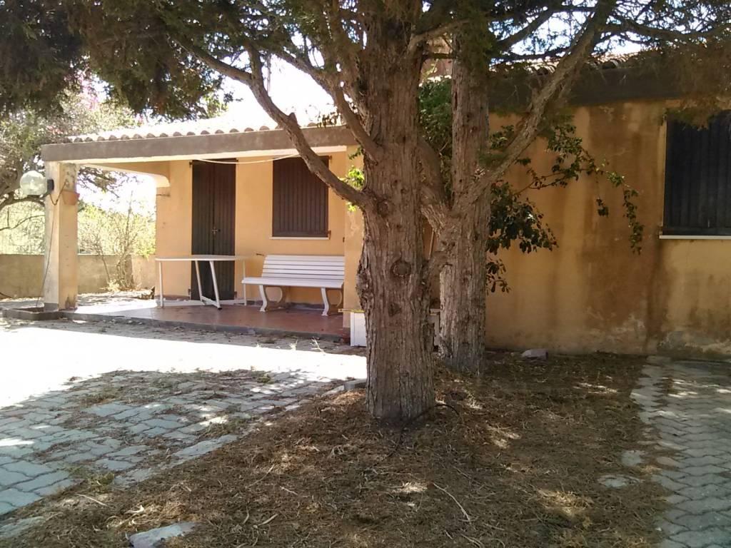 Villa in buone condizioni in vendita Rif. 4220614