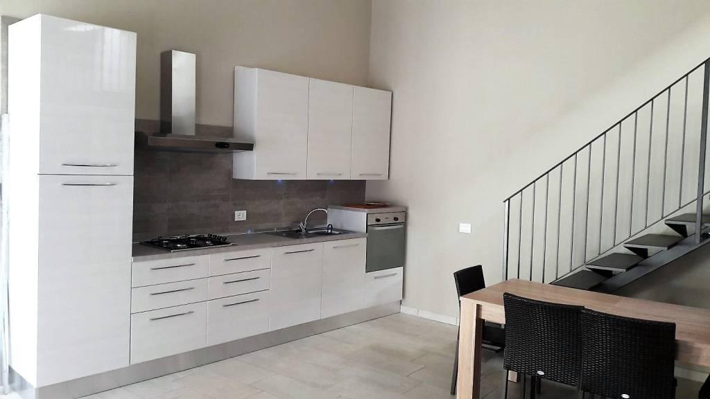 Appartamento in ottime condizioni arredato in affitto Rif. 4303883