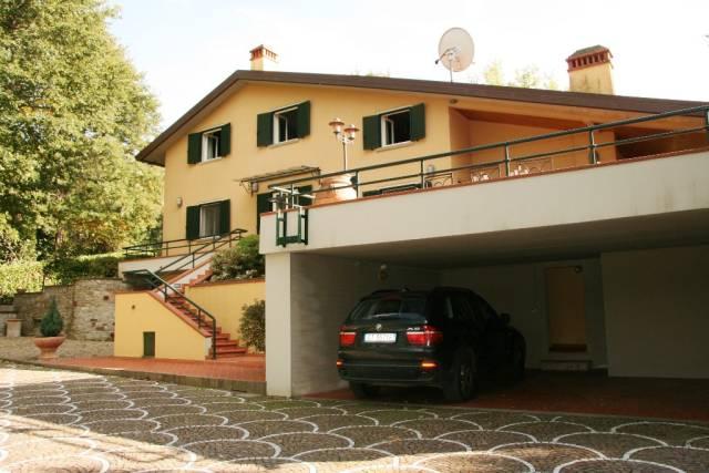Villa in Vendita a Arezzo: 5 locali, 500 mq
