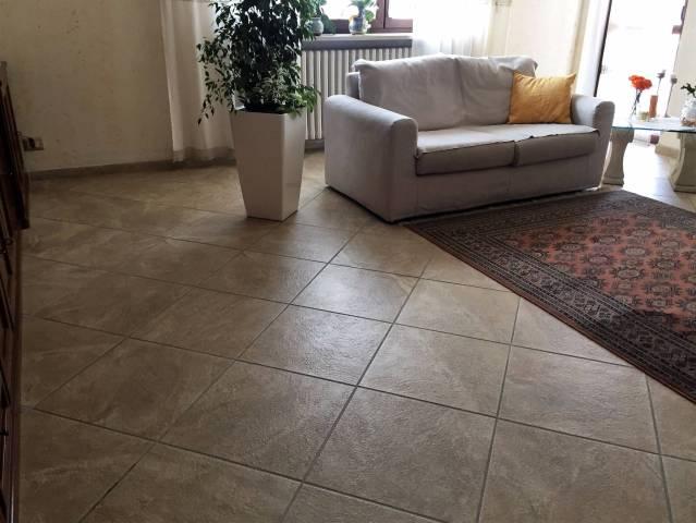 Appartamento in Vendita a Asti Periferia Nord: 4 locali, 118 mq