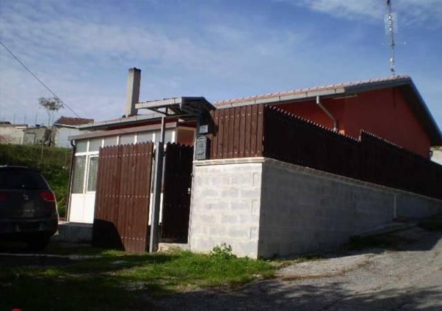 Casa Indipendente in buone condizioni in vendita Rif. 4833374