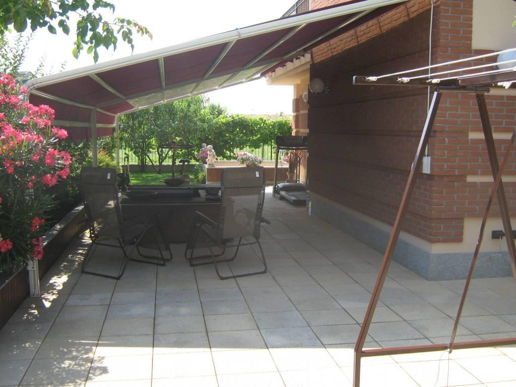 Appartamento in ottime condizioni in vendita Rif. 7968209