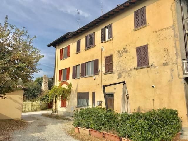Appartamento in vendita a Montano Lucino, 3 locali, prezzo € 93.000   CambioCasa.it