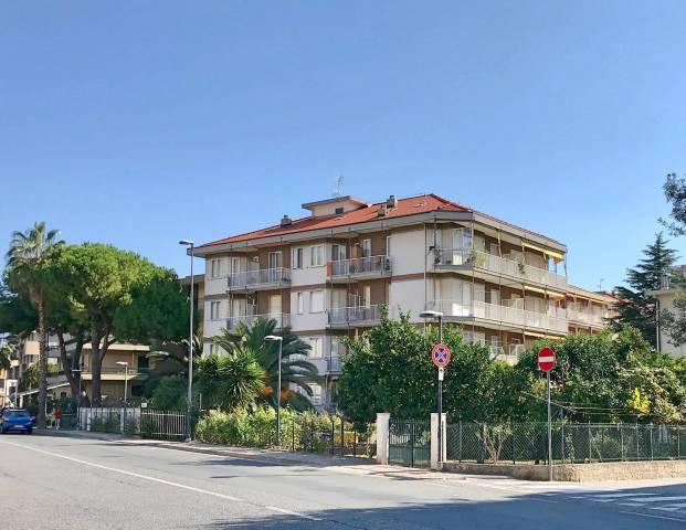 Appartamento in Vendita a Pietra Ligure Centro:  2 locali, 40 mq  - Foto 1