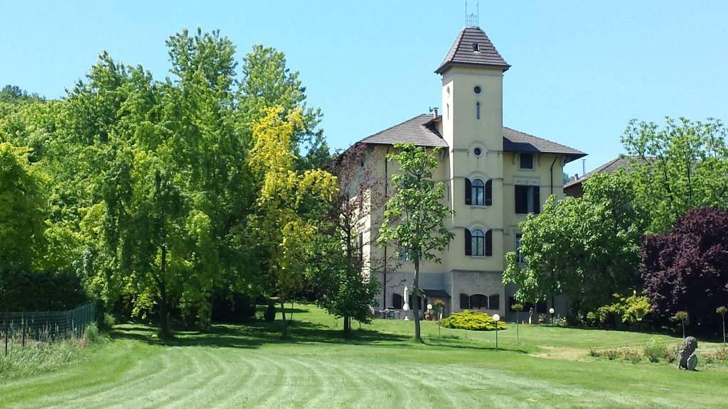 Villa in vendita a Serralunga di Crea, 6 locali, prezzo € 600.000 | CambioCasa.it