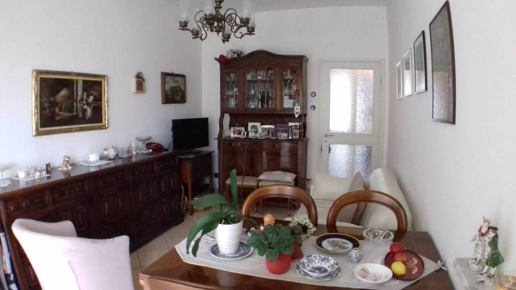 Appartamento in vendita a Gavi, 4 locali, prezzo € 135.000 | CambioCasa.it