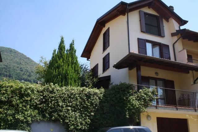 Appartamento in ottime condizioni parzialmente arredato in vendita Rif. 4221052