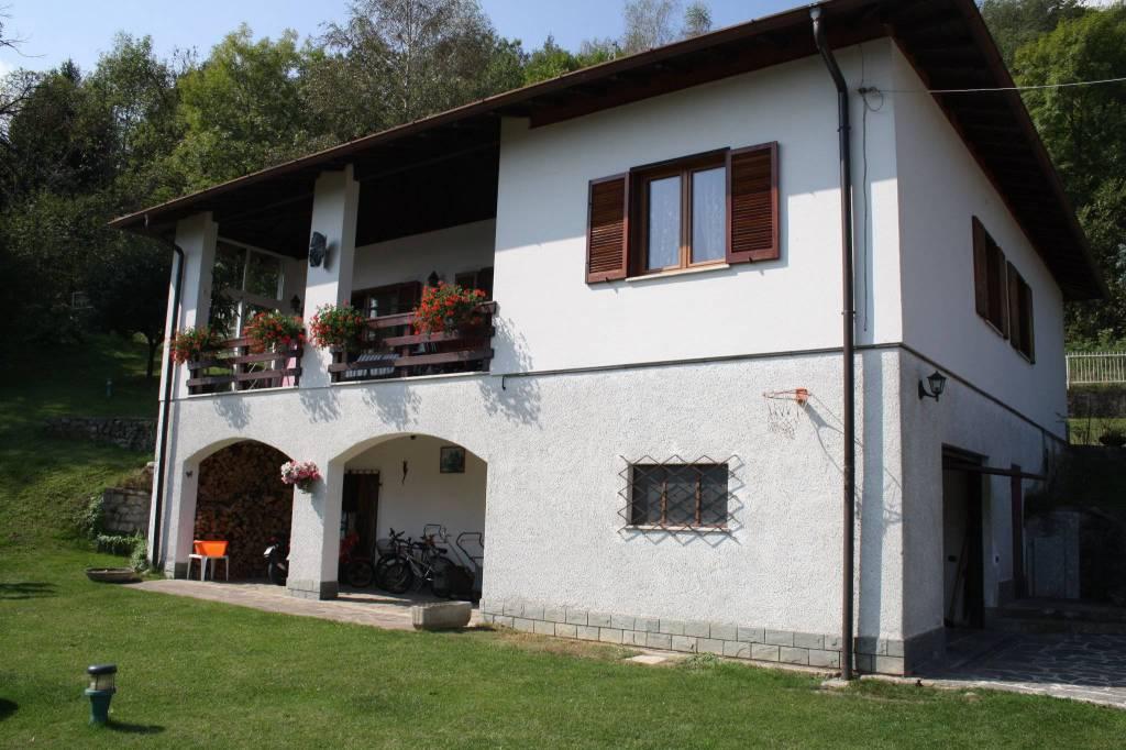 Villa in vendita a Cerano d'Intelvi, 6 locali, prezzo € 370.000 | PortaleAgenzieImmobiliari.it