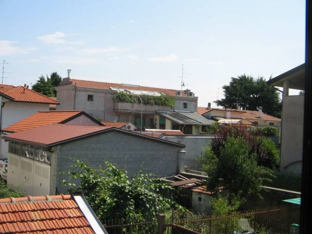 Appartamento in buone condizioni in affitto Rif. 6697689