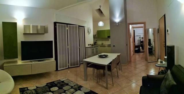 Appartamento in ottime condizioni parzialmente arredato in affitto Rif. 6296206