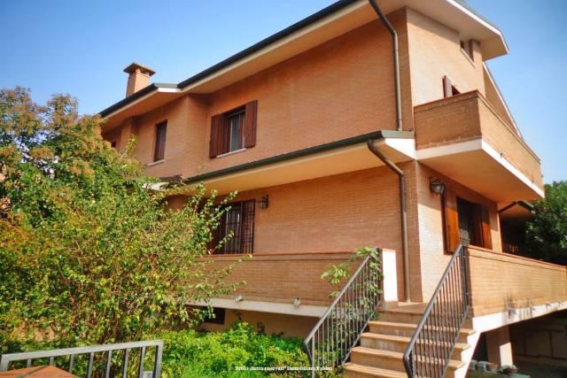 Villa in Vendita a Ferrara Periferia Est: 5 locali, 320 mq