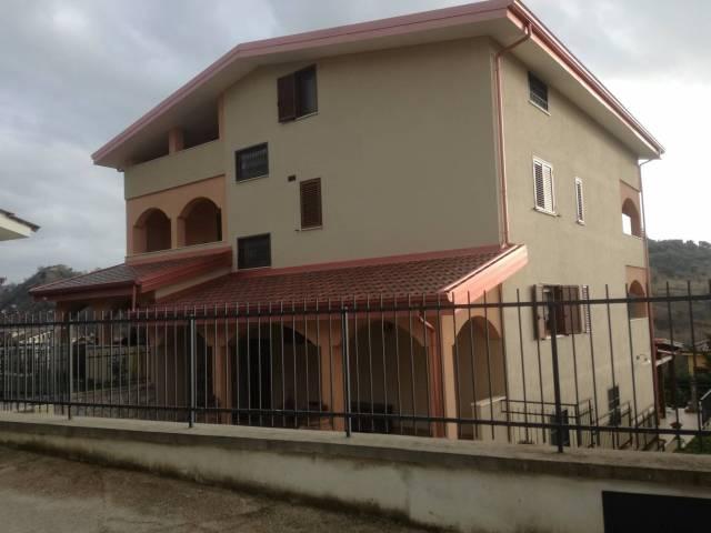 Villa in buone condizioni in vendita Rif. 4842964