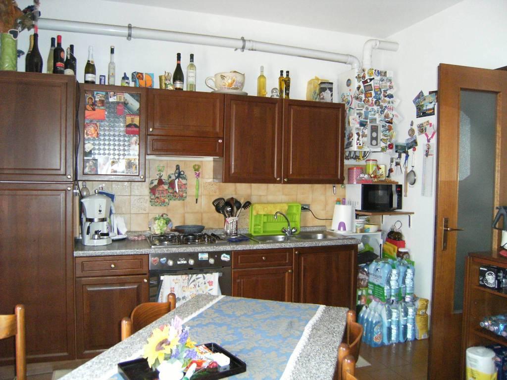 Appartamento in buone condizioni arredato in affitto Rif. 7593920
