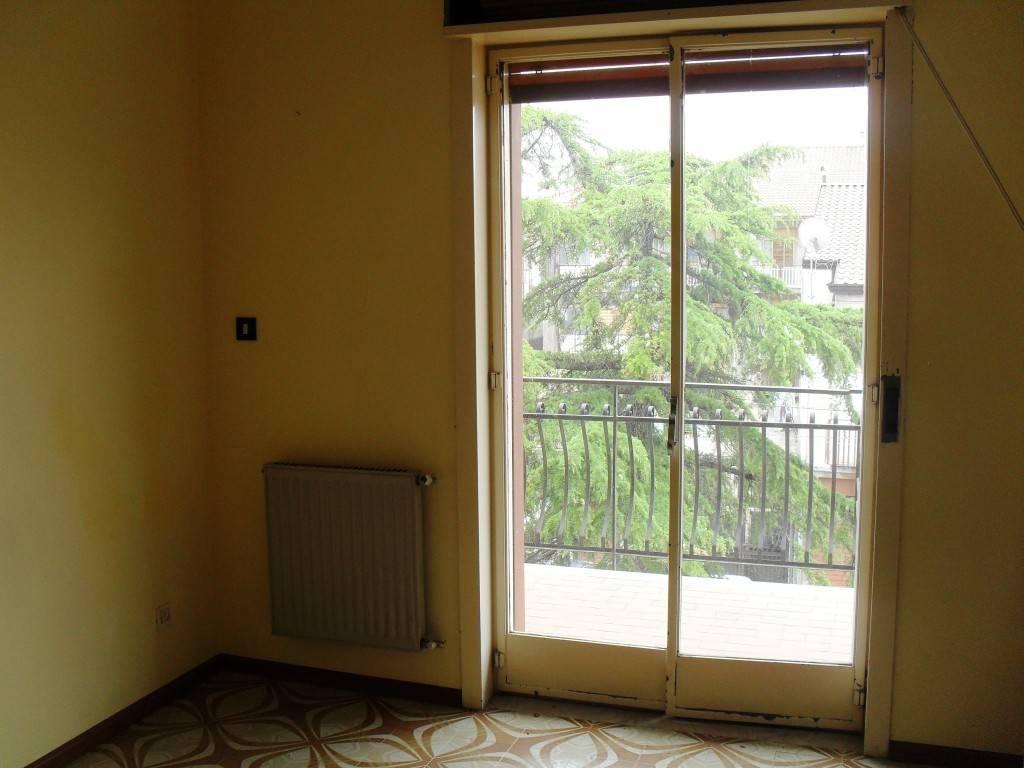 Appartamento in buone condizioni in affitto Rif. 4952398