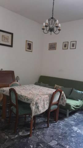 Appartamento in buone condizioni parzialmente arredato in affitto Rif. 4267126