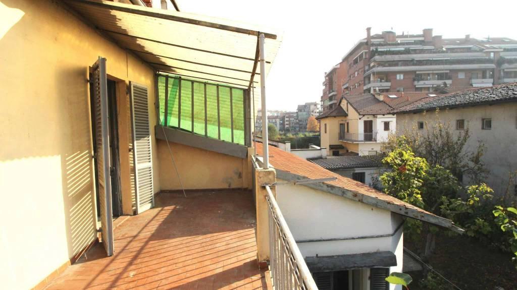 Foto 1 di Casa indipendente via Varallo 38, Torino (zona Vanchiglia, Regio Parco)