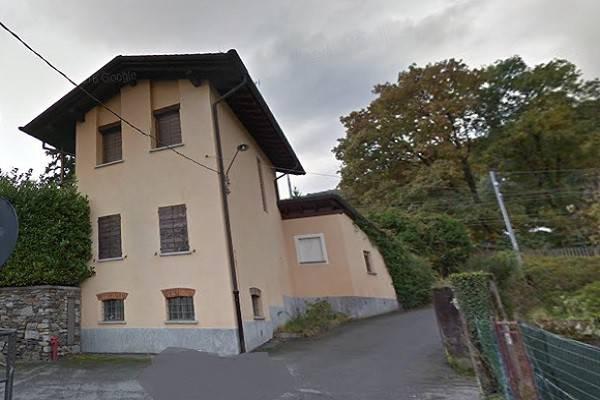 Villa STRESA vendita   Comunale del Lupo CaseDaEnti Srl