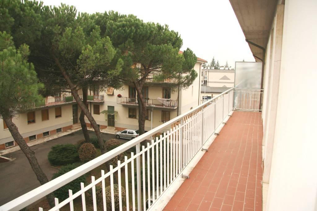 Monolocale in Affitto a Arezzo: 1 locali, 100 mq
