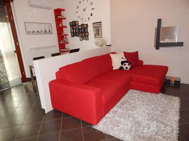 Appartamento in vendita a Trecate, 2 locali, prezzo € 89.000 | CambioCasa.it