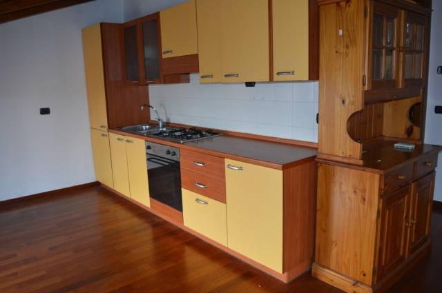 Appartamento in ottime condizioni arredato in vendita Rif. 4601093