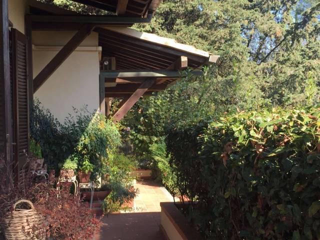 Villa in buone condizioni parzialmente arredato in vendita Rif. 5722171
