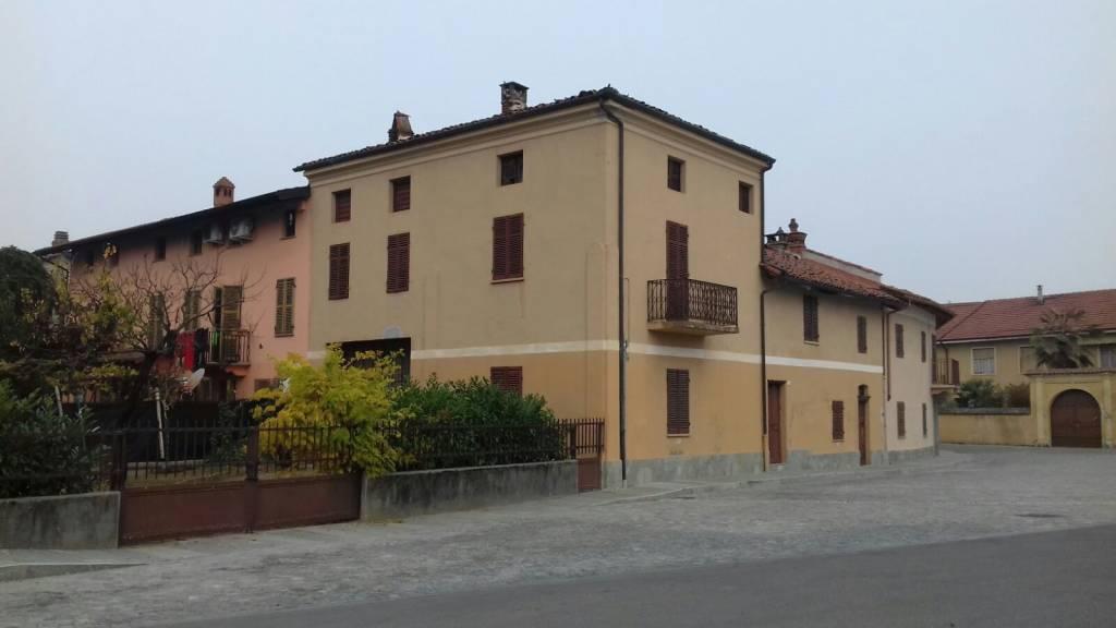 Rustico / Casale in vendita a Dusino San Michele, 4 locali, prezzo € 57.000   CambioCasa.it
