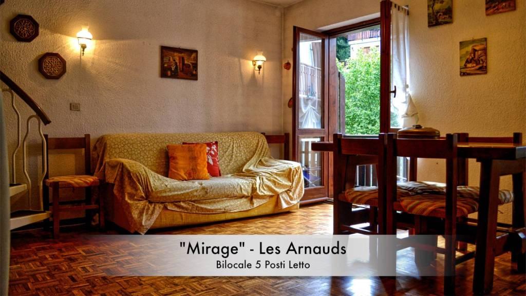 Appartamento in buone condizioni parzialmente arredato in affitto Rif. 7909124