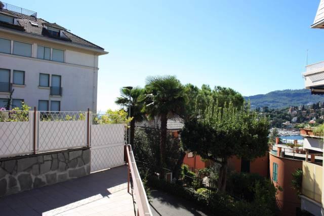 Appartamento in Vendita a Rapallo Centro: 4 locali, 135 mq