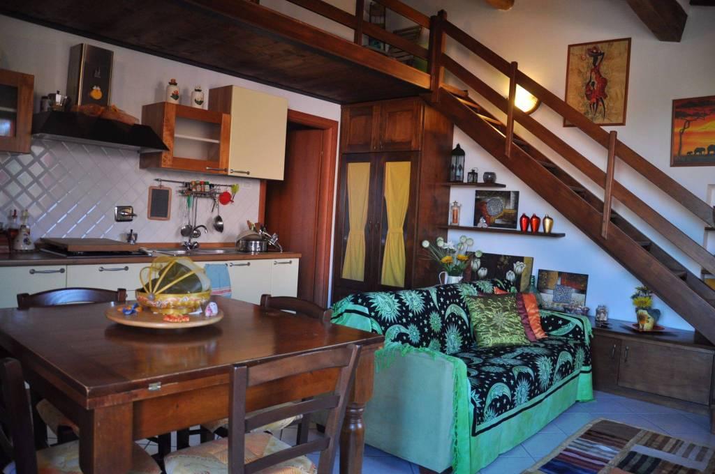 Appartamento in ottime condizioni arredato in affitto Rif. 8314974